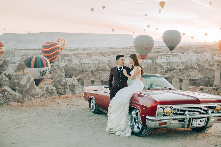Cappadocia Vintage Car Pre-Wedding Hot Air Balloons